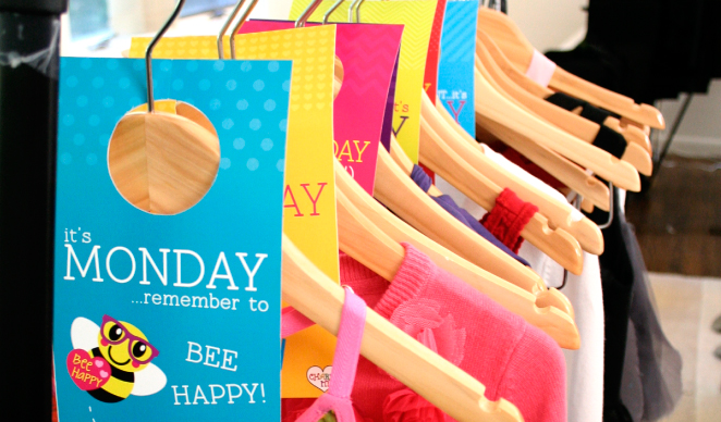 Free printable days of the week closet tags