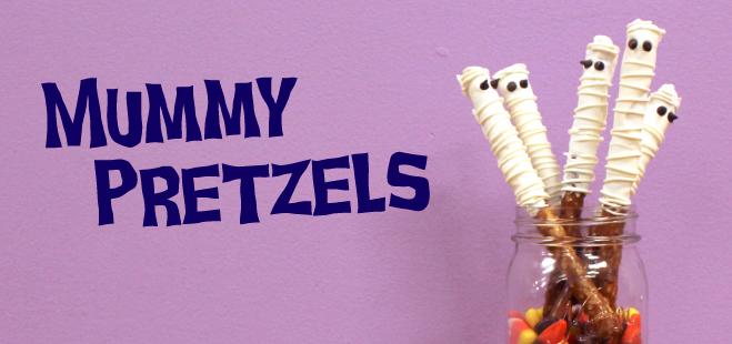 Halloween mummy pretzels
